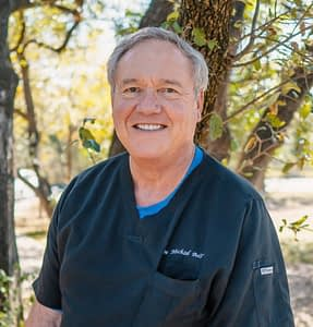 Dr. Michael Bell